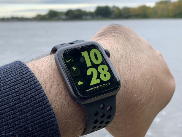 apple-watch-nike-edition-series-4-44mm-big-0