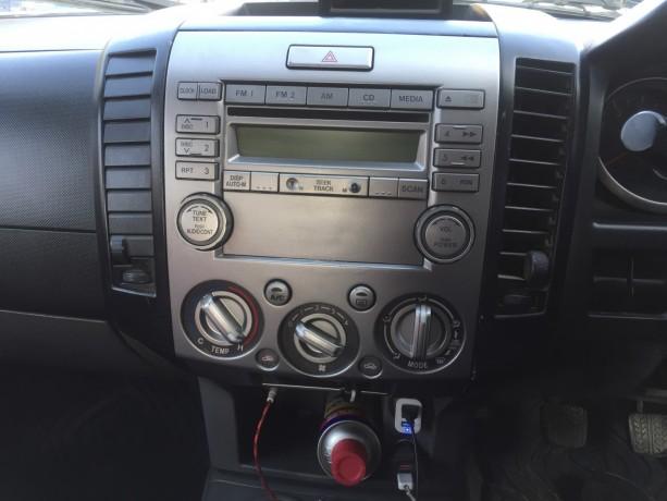 ford-ranger-4wd-pickup-big-0