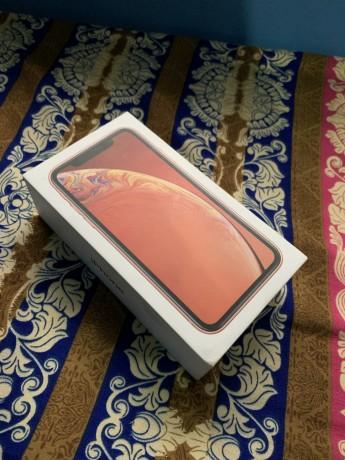 iphone-xr-128gb-big-0