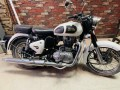 royal-enfield-classic-350-90lot-small-0