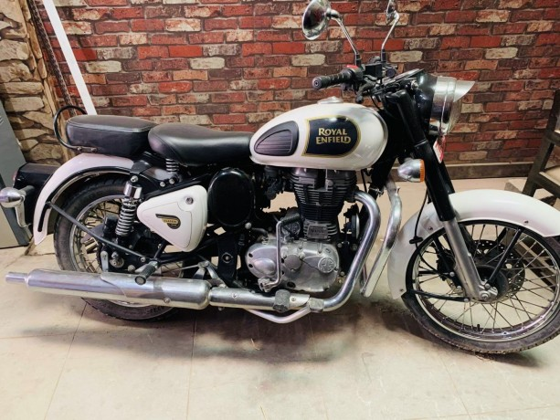 royal-enfield-classic-350-90lot-big-0