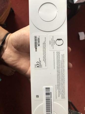apple-watch-series-6-on-sale-box-pack-big-0
