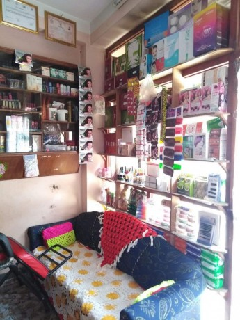 cosmetic-shop-for-sale-big-0