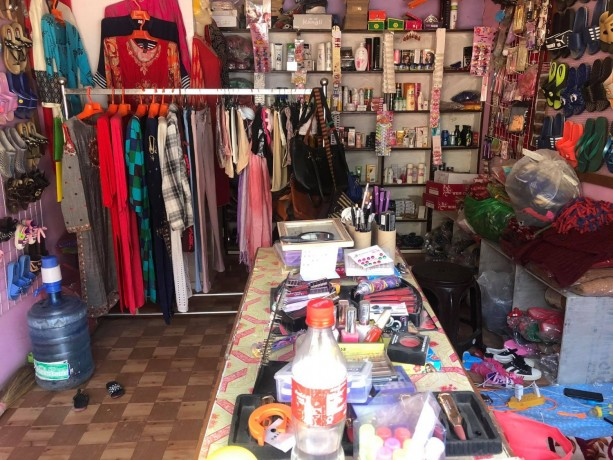 cosmetic-fancy-shop-for-sale-big-2