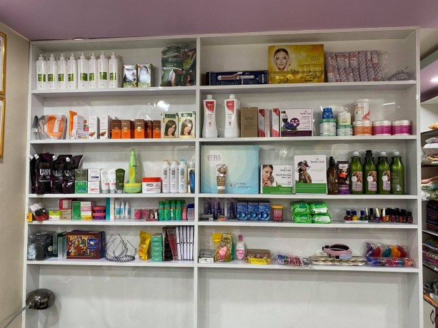 beauty-parlor-and-fancy-shop-for-sale-big-1