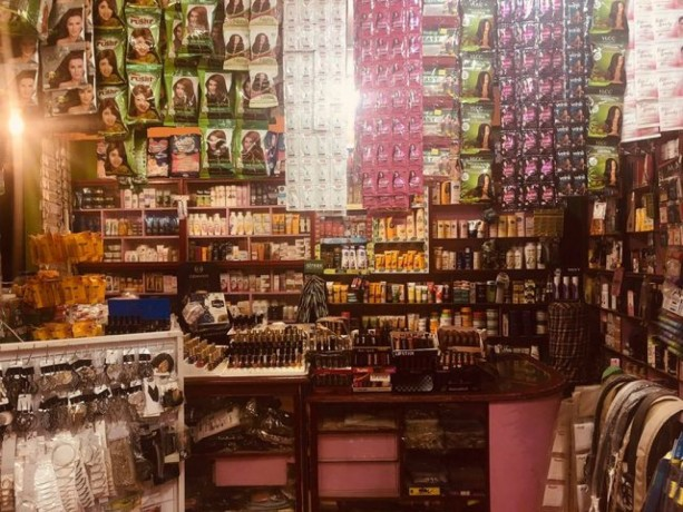 cosmetic-shop-for-sale-big-2
