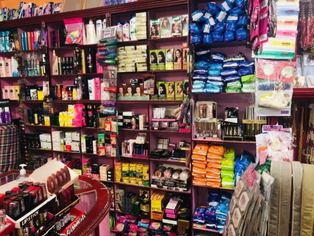 cosmetic-shop-for-sale-big-1