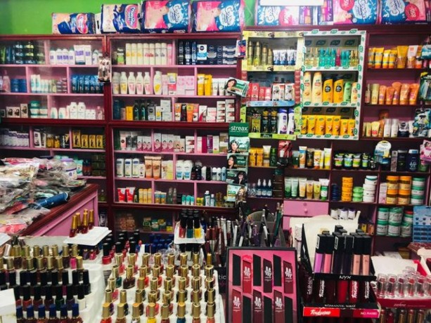 cosmetic-shop-for-sale-big-3