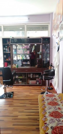beauty-parlor-training-center-for-sale-big-1