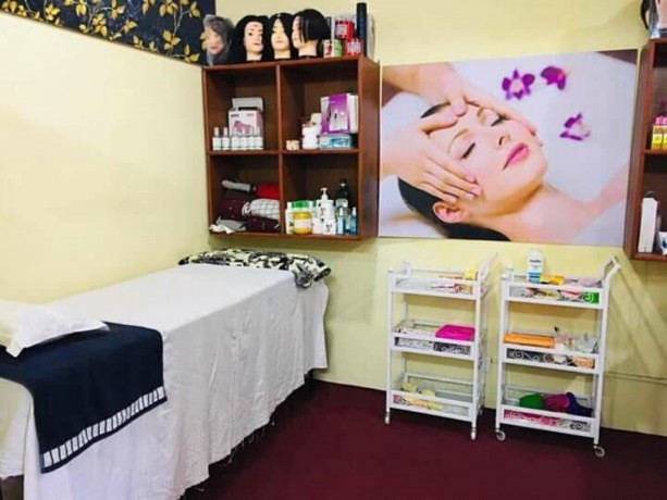 beauty-parlor-for-sale-big-2
