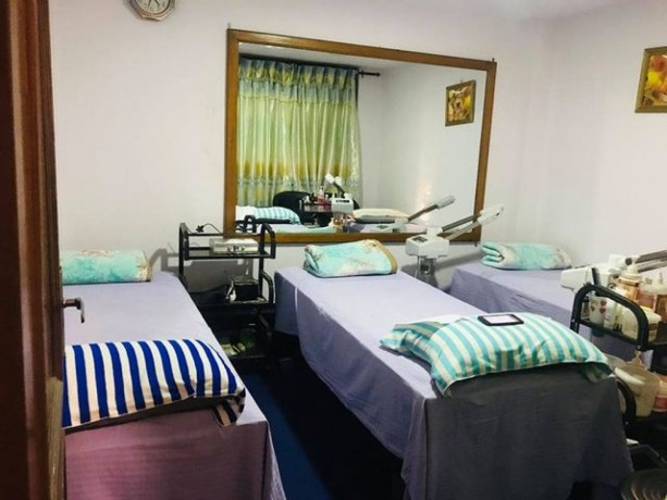 beauty-parlor-skin-care-for-sale-big-3