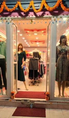 ladies-fancy-shop-for-sale-big-2