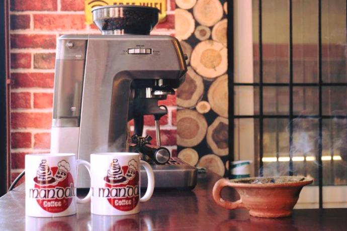 coffee-shop-for-sale-big-1