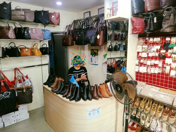 ladies-shoes-bag-shop-for-sale-big-1