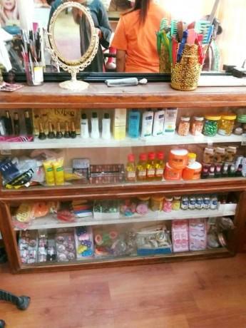 beauty-parlor-for-sale-big-1