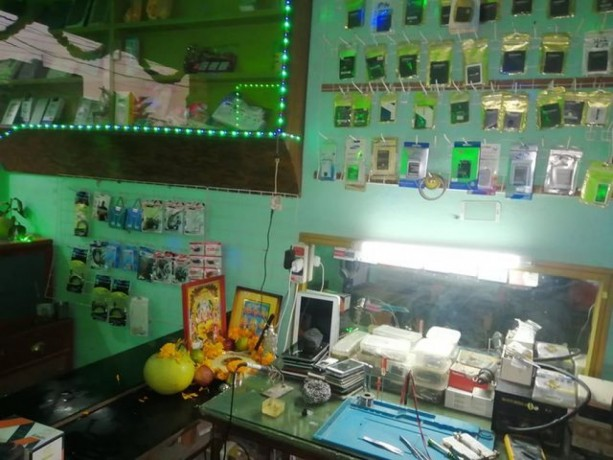 mobile-accessories-repairing-shop-for-sale-big-4