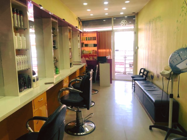 unisex-beauty-salon-for-sale-big-0