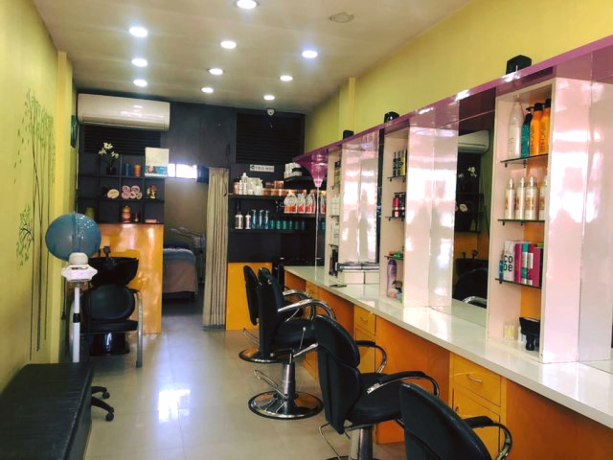 unisex-beauty-salon-for-sale-big-4