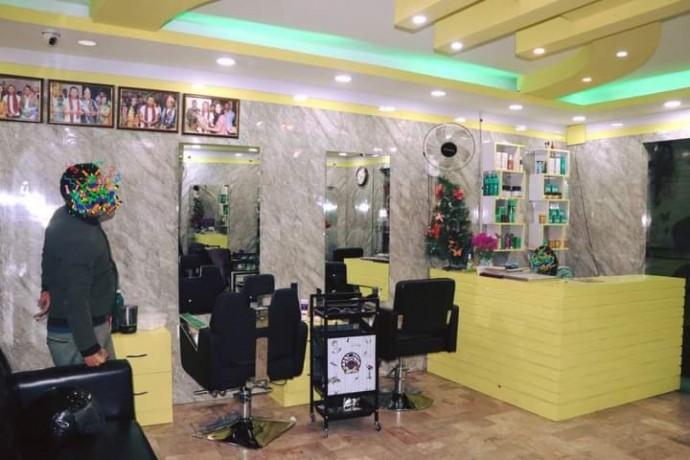 unisex-beauty-salon-for-sale-big-3