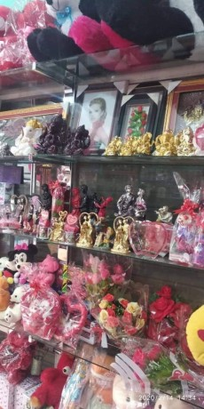 cosmetic-gift-shop-for-sale-big-2