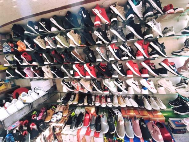 shoes-shop-for-sale-big-2