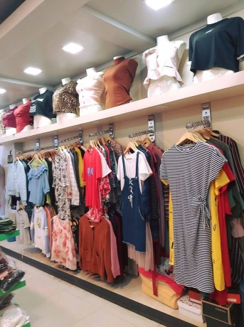 ladies-fancy-shop-for-sale-at-new-buspark-big-2