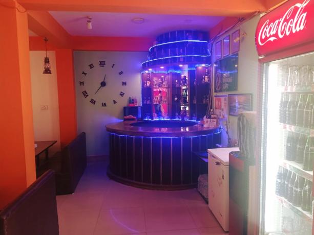 bl-l-restaurant-l-l-b-big-4