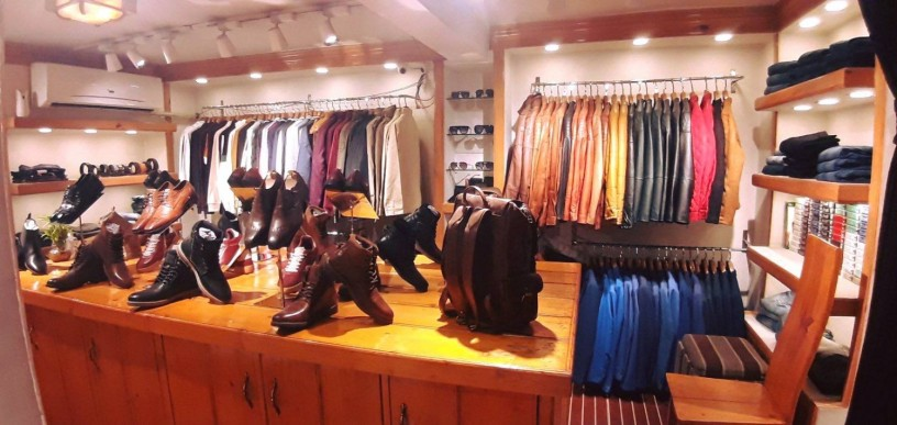 b-mall-l-mens-apparel-showroom-l-l-b-big-2