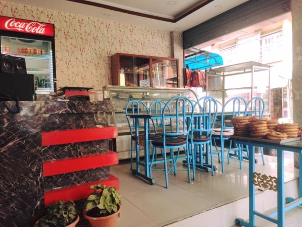 bl-l-fast-food-restaurant-l-l-b-big-3