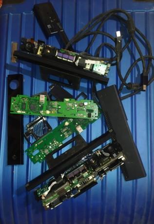 2xdamaged-xbox-one-kinect-sensore-big-1