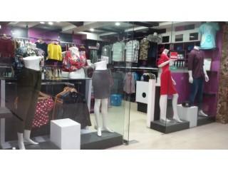 जमलको Mall मा चलिरहेको Fancy Shop बिक्रीमा
