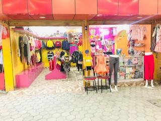 चाबहिल चुच्चेपाटीमा चलिरहेको Ladies & Kids Fancy Shop बिक्रीमा