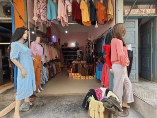 ललितपुर कुमारीपाटीमा सटर स्पेस र डेकोरेसन बिक्रीमा