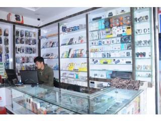 गोंगबुमा चलिरहेको मोबाइल पसल बिक्रीमा