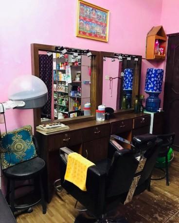 b-l-beauty-parlor-cosmetic-shop-l-l-b-big-0