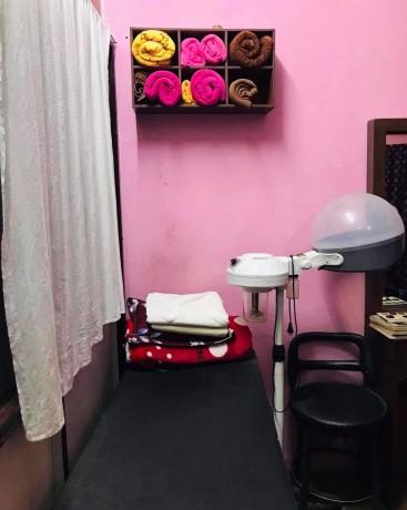 b-l-beauty-parlor-cosmetic-shop-l-l-b-big-2