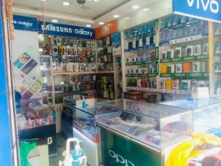 चाबहिलमा चलिरहेको Mobile & Accessories सुलभ मुल्यमा बिक्रीमा