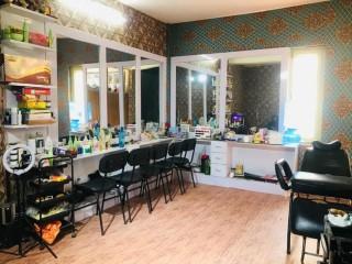 ललितपुर सातदोबाटो नजिकै चलिरहेको Beauty Parlor & Training Center सुलभ मुल्यमा बिक्रीमा