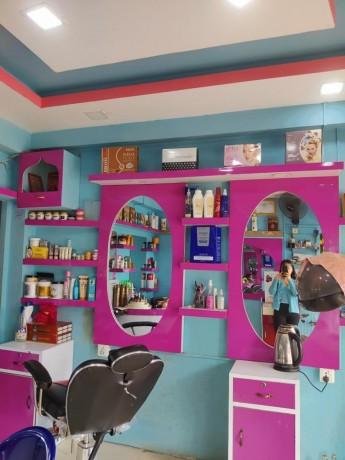 l-beauty-parlor-b-big-3