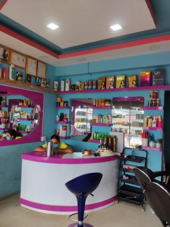 l-beauty-parlor-b-big-0