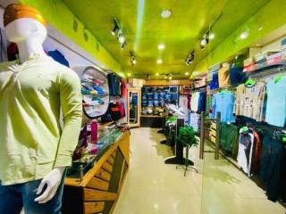 नयाँ बसपार्कको Mall मा चलिरहेको Gents Fancy Shop सुलभ मुल्यमा बिक्रीमा