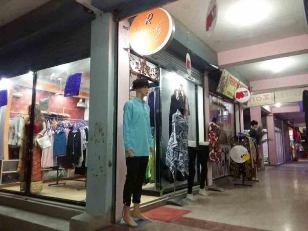 urgent-sale-of-fancy-shop-both-male-female-big-4