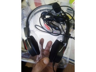 Head set with with outer mic